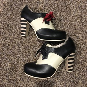Shoes - Heeled Oxfords